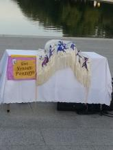 Torah Scroll & Welcome to the Pope, Kol Nidre eveniing at Lincoln Memorial